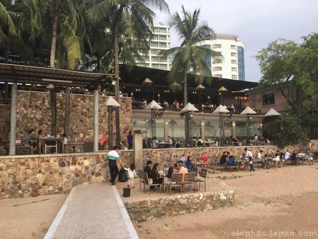タイのシーフードレストランムンアロイの店内4