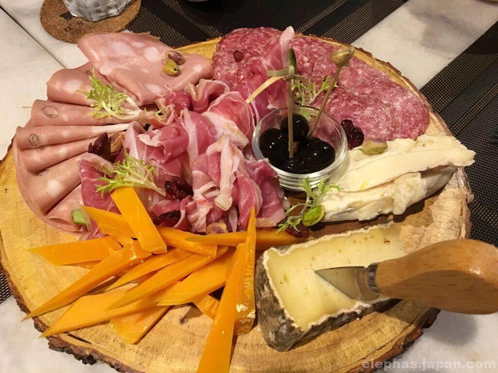 meatbar31のハムチーズ盛り合わせ
