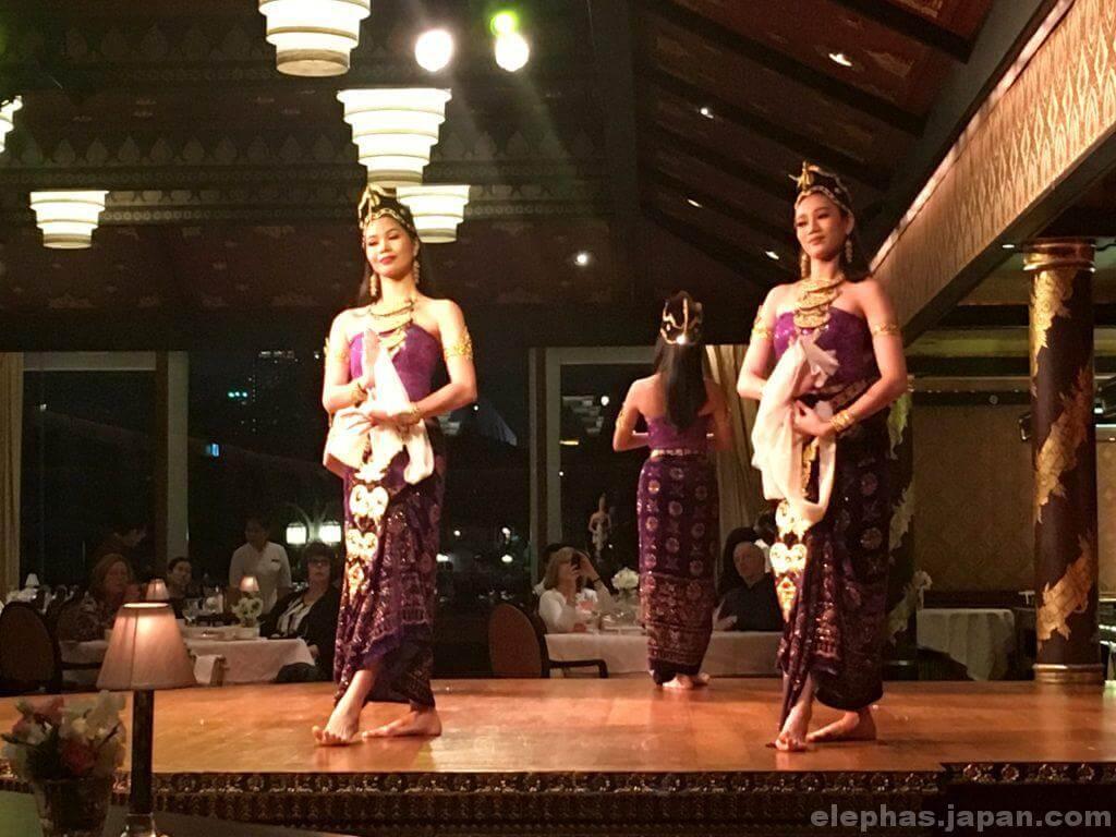 サラリムナーム・タイ舞踊3