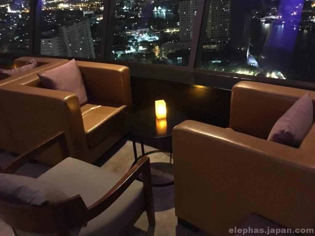threesixty円型ラウンジのソファ席2