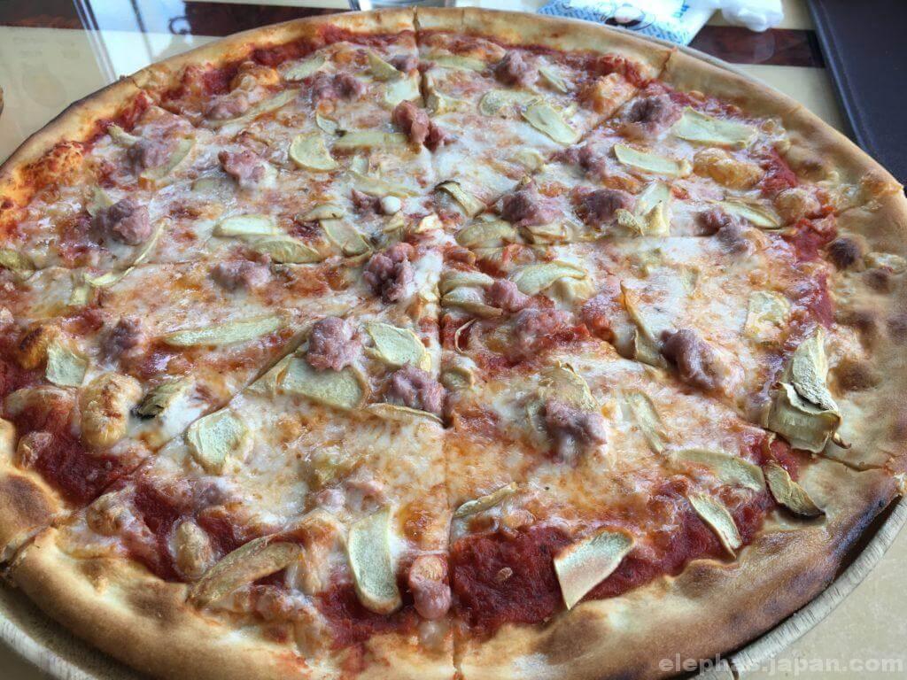 パタヤシルバーレイクのピザ