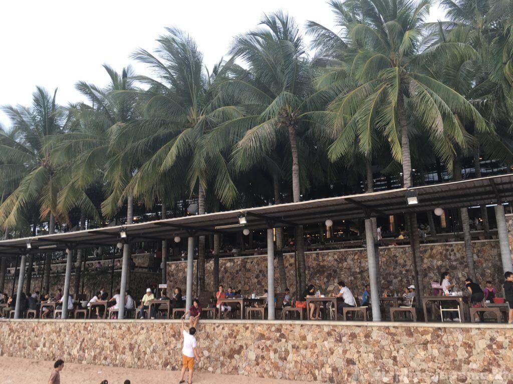 タイのシーフードレストランムンアロイの店内5