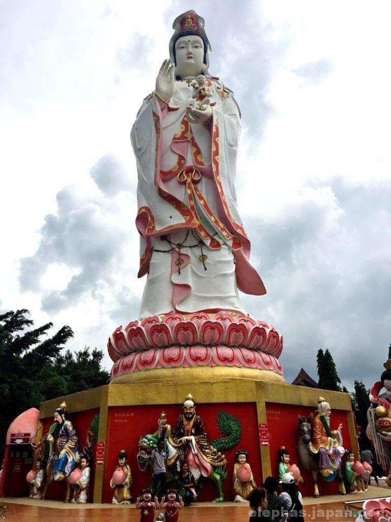 ピンクガネーシャの仏像