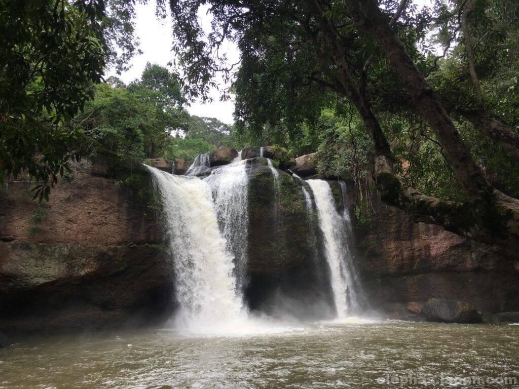 カオヤイ国立公園の滝2