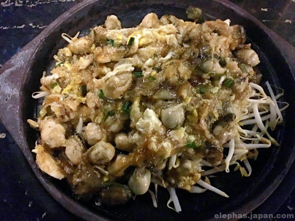 タイのシーフードレストランムンアロイの牡蠣炒め