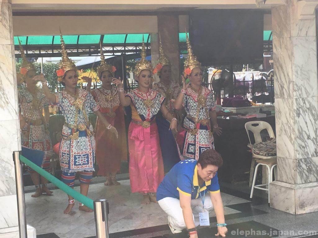 エラワンの民族舞踊2
