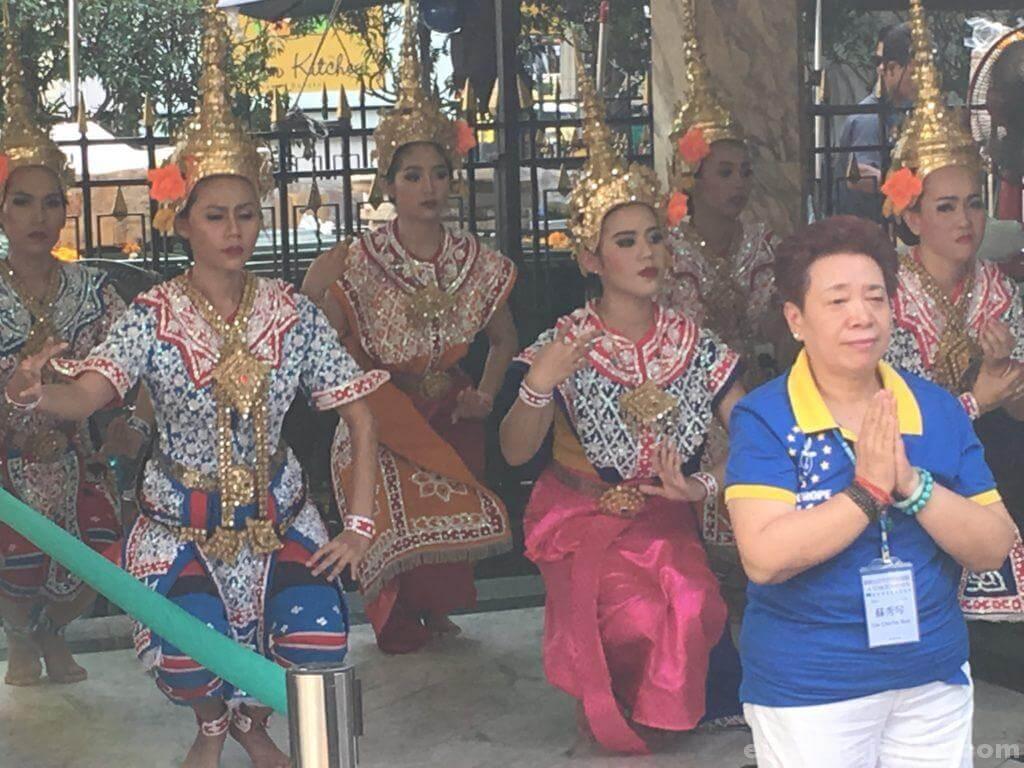 エラワンの民族舞踊