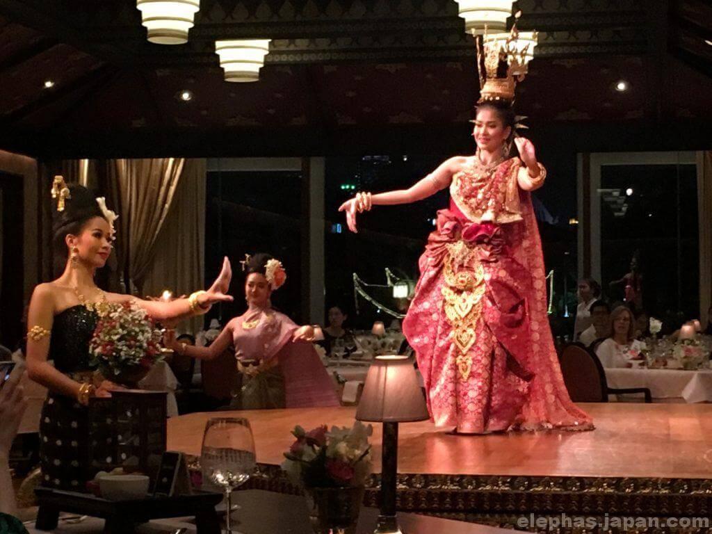 サラリムナーム・タイ舞踊