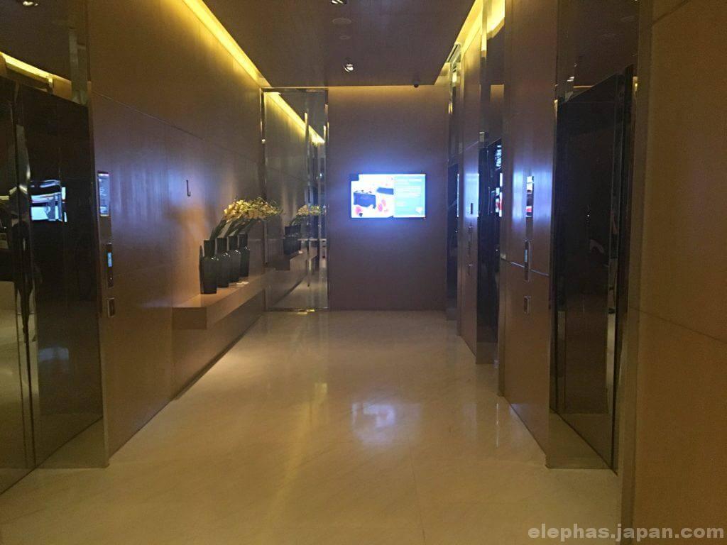 ホテルマリオットのエレベーターホール